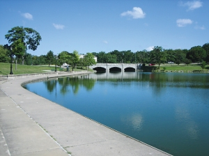 Hoyt Lake in Delaware Park