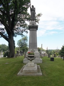 Richmond Monument in Forest Lawn Cemetery