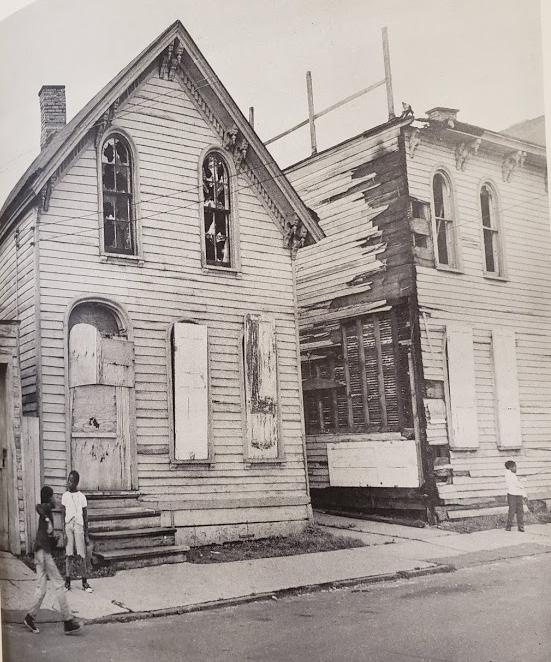 oak street houses 3