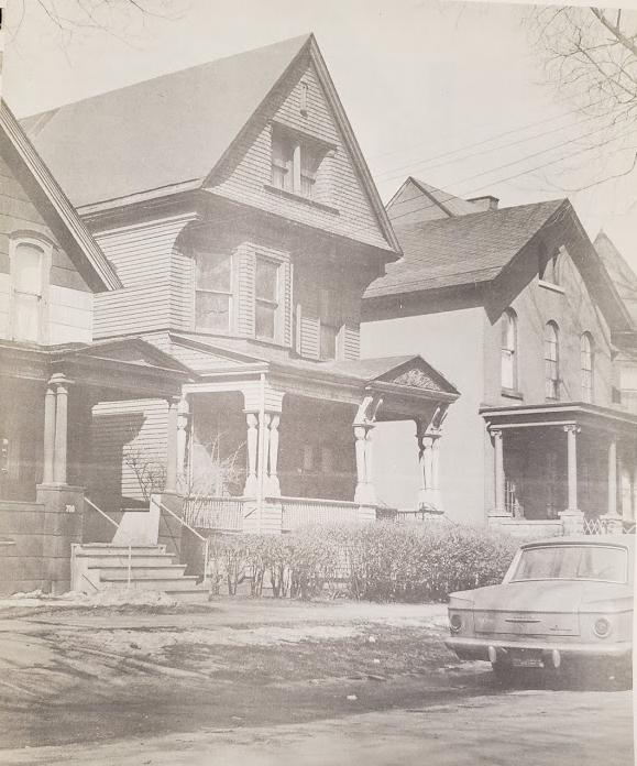 oak street houses